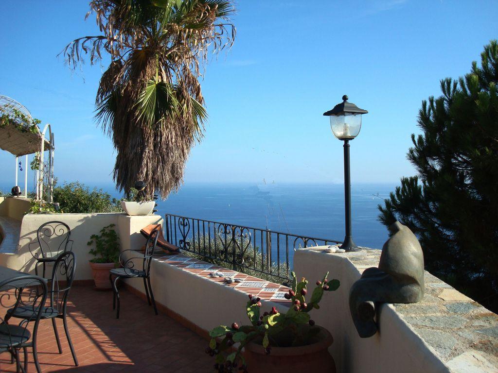 Villa Biener Terrazzo grande verso mare
