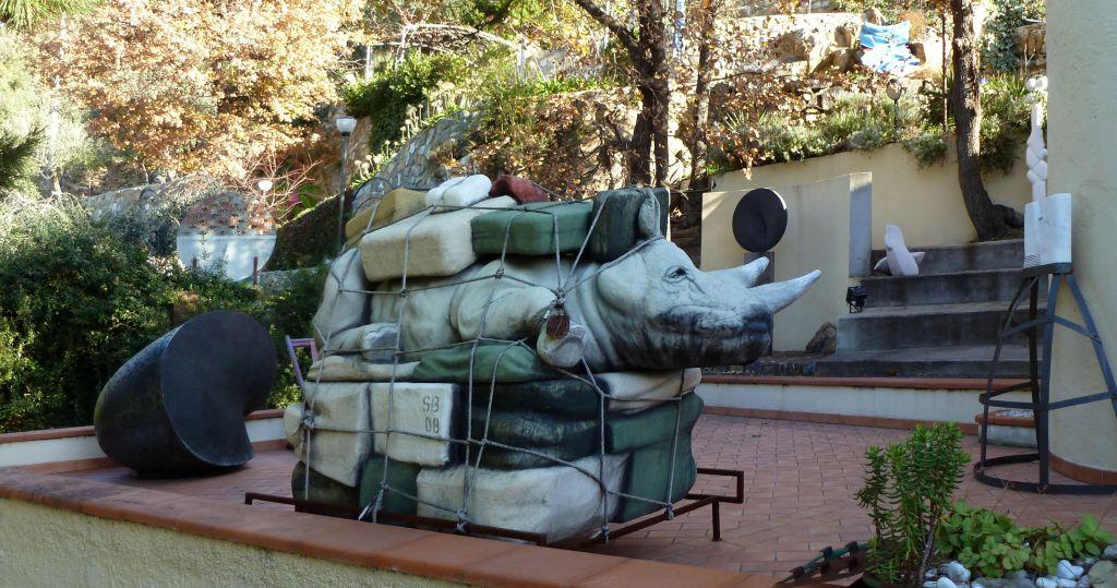 Villa Biener - sculture nel parco - Bombardieri, Leverone