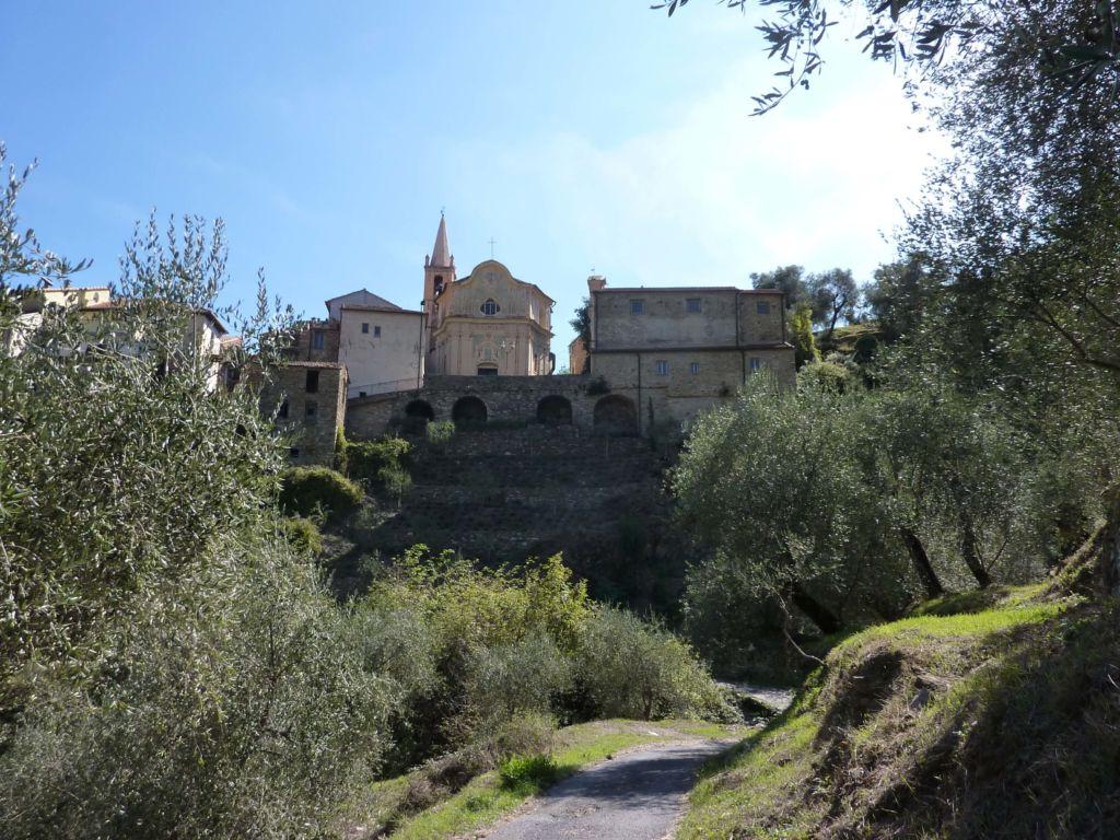 scorcio della piazza Santi Cosma e Damianoa