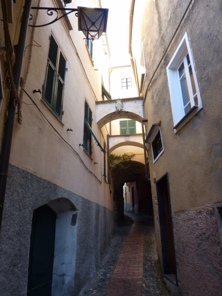 scorcio di via Dante I (1875x2500)