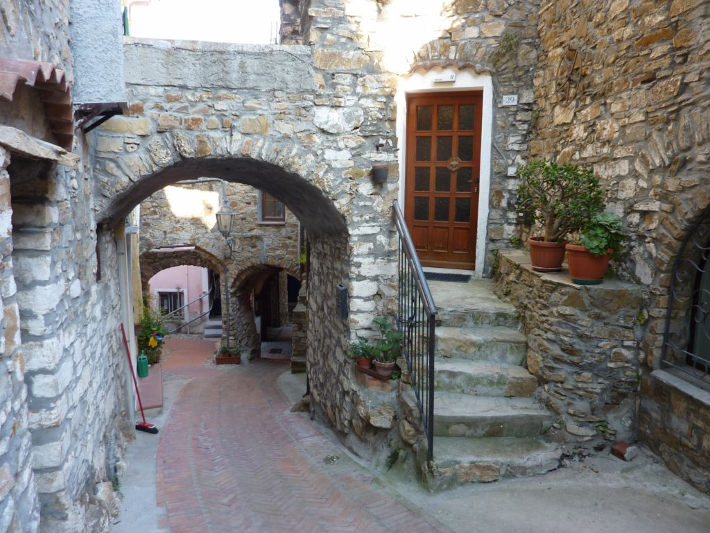 via Sant'Antonio Abate I (2100x1575)
