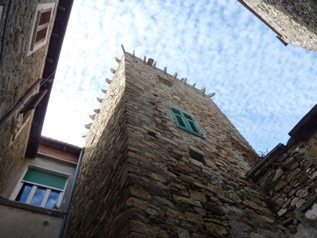 via Sant'Antonio Abate, casa-torre (2300x1725)